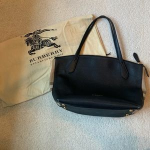 AUTHENTIC Burberry Tote Bag in leather